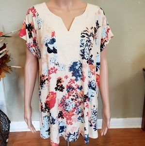 NWT super soft rayon blend floral top